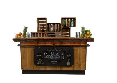 Big vintage bar + houtenkistjes backbar